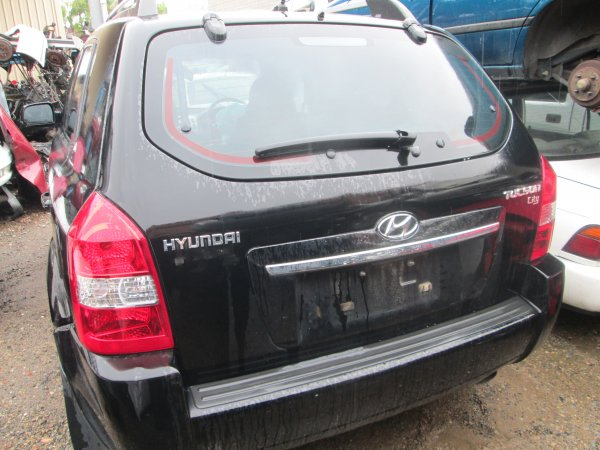 2009 HYUNDAI TUSCON LOW KMS AUTO | Dismantling Now | Penrith Auto Recyclers are dismantling major brand cars right now! We offer fully tested second hand, used car parts and genuine or aftermarket products for most of the major brands. (../../dc/gallery/004_11.jpg)
