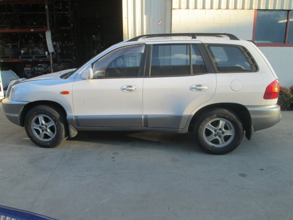 2003 SANTE FE AUTO | Dismantling Now | Penrith Auto Recyclers are dismantling major brand cars right now! We offer fully tested second hand, used car parts and genuine or aftermarket products for most of the major brands. (../../dc/gallery/005_2.jpg)