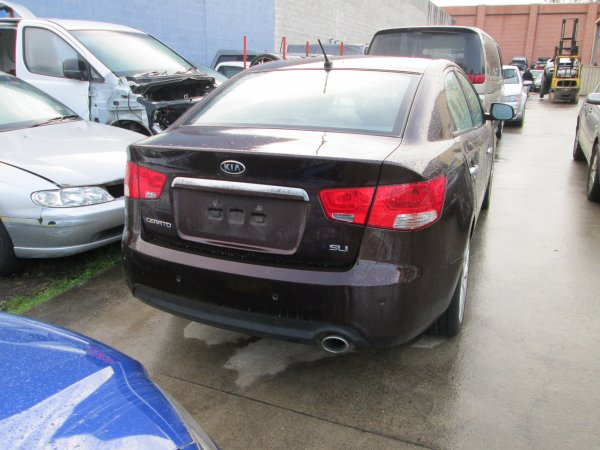 2010 KIA CERATO | Dismantling Now | Penrith Auto Recyclers are dismantling major brand cars right now! We offer fully tested second hand, used car parts and genuine or aftermarket products for most of the major brands. (../../dc/gallery/009_11.jpg)