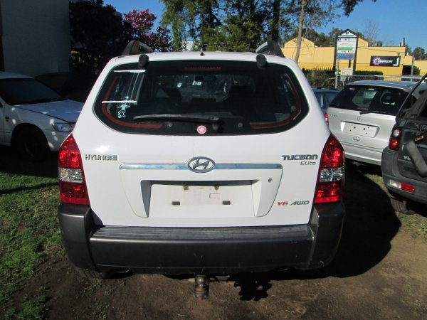 2005 TUCSON LOW KM | Dismantling Now | Penrith Auto Recyclers are dismantling major brand cars right now! We offer fully tested second hand, used car parts and genuine or aftermarket products for most of the major brands. (../../dc/gallery/009_8.jpg)