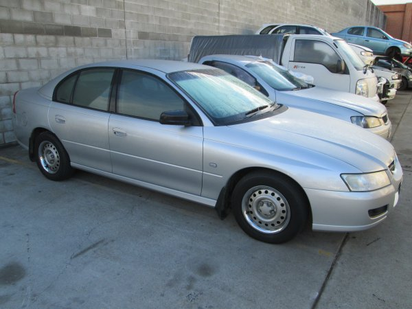 2004 HOLDEN COMMODORE VZ | Dismantling Now | Penrith Auto Recyclers are dismantling major brand cars right now! We offer fully tested second hand, used car parts and genuine or aftermarket products for most of the major brands. (../../dc/gallery/011.jpg)