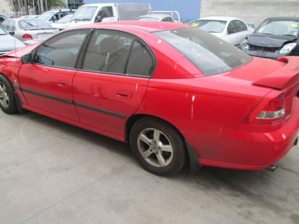 2005 HOLDEN COMMODORE VZ  | Dismantling Now | Penrith Auto Recyclers are dismantling major brand cars right now! We offer fully tested second hand, used car parts and genuine or aftermarket products for most of the major brands. (../../dc/gallery/012_4.jpg)