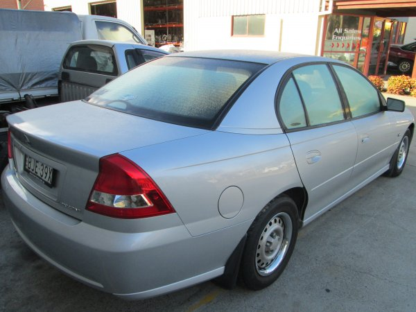 2004 HOLDEN COMMODORE VZ | Dismantling Now | Penrith Auto Recyclers are dismantling major brand cars right now! We offer fully tested second hand, used car parts and genuine or aftermarket products for most of the major brands. (../../dc/gallery/013.jpg)