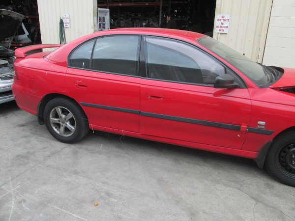 2005 HOLDEN COMMODORE VZ  | Dismantling Now | Penrith Auto Recyclers are dismantling major brand cars right now! We offer fully tested second hand, used car parts and genuine or aftermarket products for most of the major brands. (../../dc/gallery/013_3.jpg)