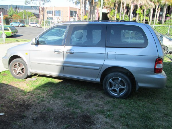 2002 KIA CARNIVAL 5 SPEED | Dismantling Now | Penrith Auto Recyclers are dismantling major brand cars right now! We offer fully tested second hand, used car parts and genuine or aftermarket products for most of the major brands. (../../dc/gallery/015.jpg)
