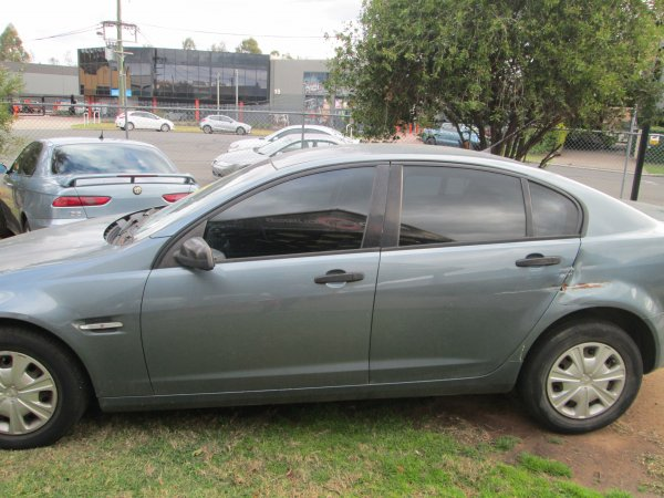 2006 HOLDEN VE COMMODORE  | Dismantling Now | Penrith Auto Recyclers are dismantling major brand cars right now! We offer fully tested second hand, used car parts and genuine or aftermarket products for most of the major brands. (../../dc/gallery/019_2.jpg)