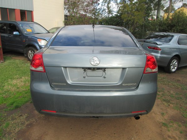 2006 HOLDEN VE COMMODORE  | Dismantling Now | Penrith Auto Recyclers are dismantling major brand cars right now! We offer fully tested second hand, used car parts and genuine or aftermarket products for most of the major brands. (../../dc/gallery/021.jpg)