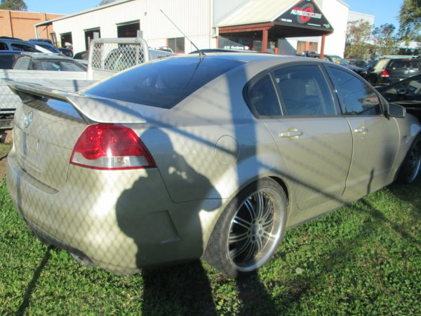 2006 HOLDEN VE COMMODORE  | Dismantling Now | Penrith Auto Recyclers are dismantling major brand cars right now! We offer fully tested second hand, used car parts and genuine or aftermarket products for most of the major brands. (../../dc/gallery/043.jpg)