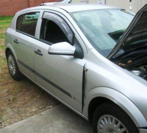 2006 AH ASTRA | Dismantling Now | Penrith Auto Recyclers are dismantling major brand cars right now! We offer fully tested second hand, used car parts and genuine or aftermarket products for most of the major brands. (../../dc/gallery/A00018_C.jpg)