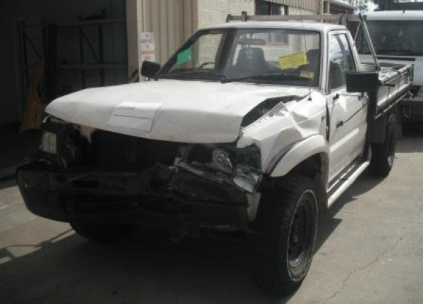 1998 BRAVO 4WD W/TRAY | Dismantling Now | Penrith Auto Recyclers are dismantling major brand cars right now! We offer fully tested second hand, used car parts and genuine or aftermarket products for most of the major brands. (../../dc/gallery/A00049_B.jpg)