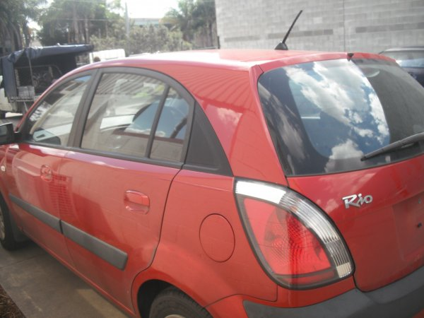 2006 KIA RIO MANUAL HATCH LOW KMS | Dismantling Now | Penrith Auto Recyclers are dismantling major brand cars right now! We offer fully tested second hand, used car parts and genuine or aftermarket products for most of the major brands. (../../dc/gallery/A00068_D.jpg)