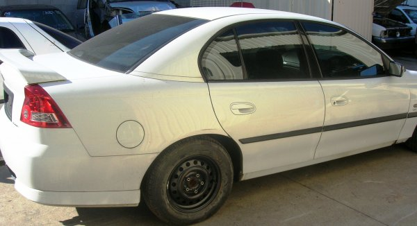 2003 VY COMMODORE  | Dismantling Now | Penrith Auto Recyclers are dismantling major brand cars right now! We offer fully tested second hand, used car parts and genuine or aftermarket products for most of the major brands. (../../dc/gallery/A00077_B.jpg)
