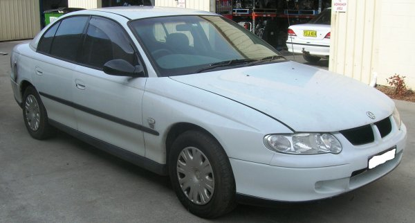 2002 VX COMMODORE SEDAN | Dismantling Now | Penrith Auto Recyclers are dismantling major brand cars right now! We offer fully tested second hand, used car parts and genuine or aftermarket products for most of the major brands. (../../dc/gallery/A00117_B.jpg)