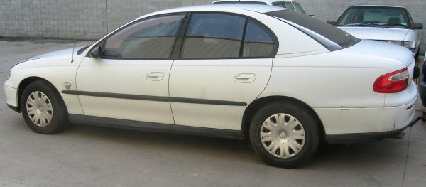2002 VX COMMODORE SEDAN | Dismantling Now | Penrith Auto Recyclers are dismantling major brand cars right now! We offer fully tested second hand, used car parts and genuine or aftermarket products for most of the major brands. (../../dc/gallery/A00117_C.jpg)