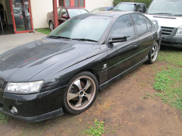 2005 HOLDEN COMMODORE SV6 | Dismantling Now | Penrith Auto Recyclers are dismantling major brand cars right now! We offer fully tested second hand, used car parts and genuine or aftermarket products for most of the major brands. (../../dc/gallery/IMG_3038.jpg)