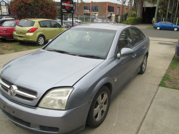 2007 HOLDEN VECTRA | Dismantling Now | Penrith Auto Recyclers are dismantling major brand cars right now! We offer fully tested second hand, used car parts and genuine or aftermarket products for most of the major brands. (../../dc/gallery/PAR_WEBSITE_CARS_003_2.jpg)