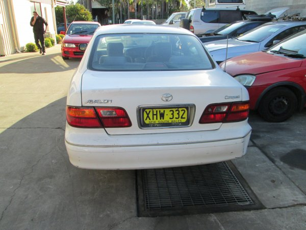 2001 TOYOTA AVALON | Dismantling Now | Penrith Auto Recyclers are dismantling major brand cars right now! We offer fully tested second hand, used car parts and genuine or aftermarket products for most of the major brands. (../../dc/gallery/PAR_WEBSITE_CARS_027.jpg)
