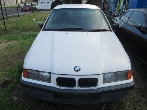 1995 BMW 318I AUTO  | Dismantling Now | Penrith Auto Recyclers are dismantling major brand cars right now! We offer fully tested second hand, used car parts and genuine or aftermarket products for most of the major brands. (../../dc/gallery/par_pictures_001.jpg)