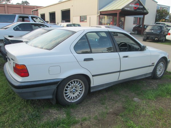 1995 BMW 318I AUTO  | Dismantling Now | Penrith Auto Recyclers are dismantling major brand cars right now! We offer fully tested second hand, used car parts and genuine or aftermarket products for most of the major brands. (../../dc/gallery/par_pictures_003.jpg)
