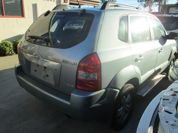 2007 TUCSON  | Dismantling Now | Penrith Auto Recyclers are dismantling major brand cars right now! We offer fully tested second hand, used car parts and genuine or aftermarket products for most of the major brands. (../../dc/gallery/tucson__626_013.jpg)